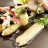 Spargelsalat mit Radieserl, Mayonnaise und Kalbssteak